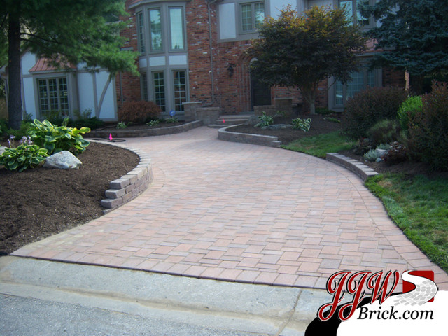 Paver Walkway Design Ideas traditional-landscape