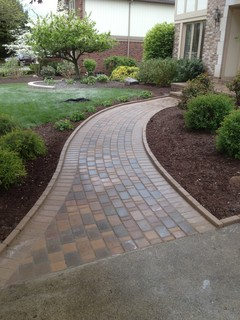 Paver Walkways Traditional Landscape Detroit By