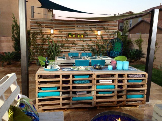 Peacocks and pallets contemporary garden las vegas for Garden pool made from pallets