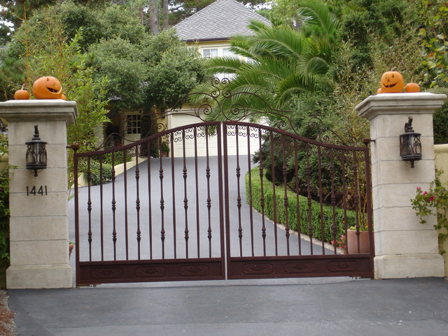 Lovely Pebble Beach Entry Gates Mediterranean Landscape