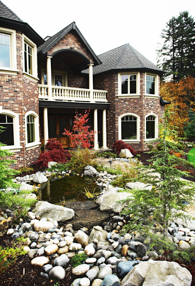 Design ideas for a traditional landscaping in Portland.
