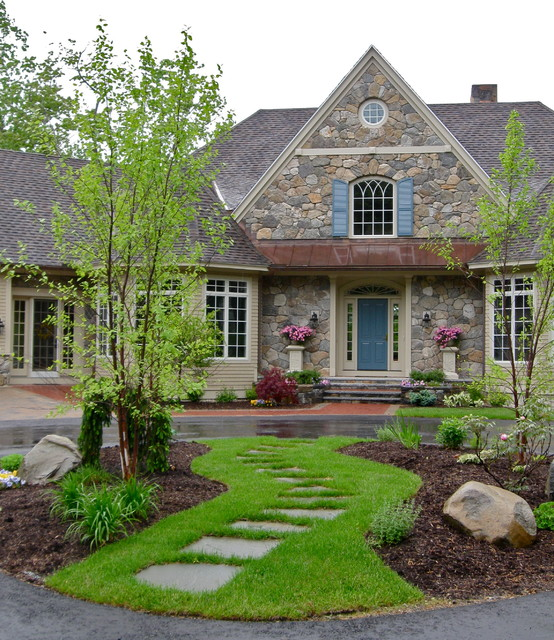 Piscataqua landscaping tree service favorites for Circular driveway landscaping pictures