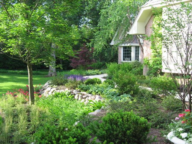 Plant Bed Ideas, Lincolnshire, IL. traditional-landscape