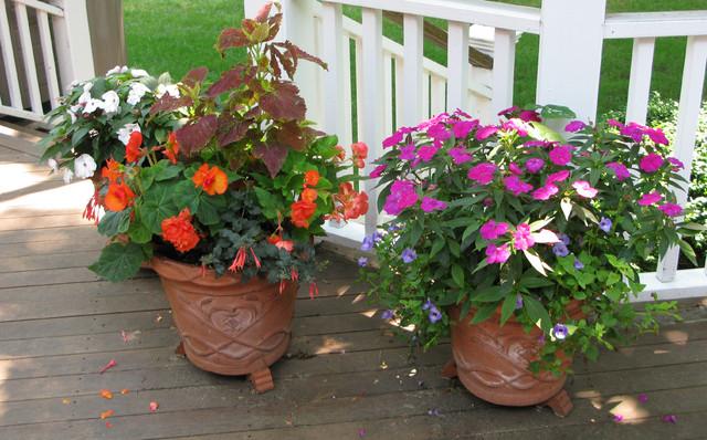 Planter Design - Fairfield County traditional-landscape