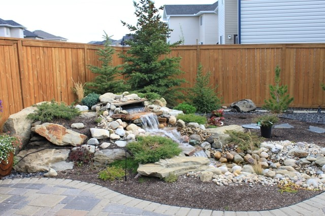 Pondless waterfall - Outdoor retreat modern landscape