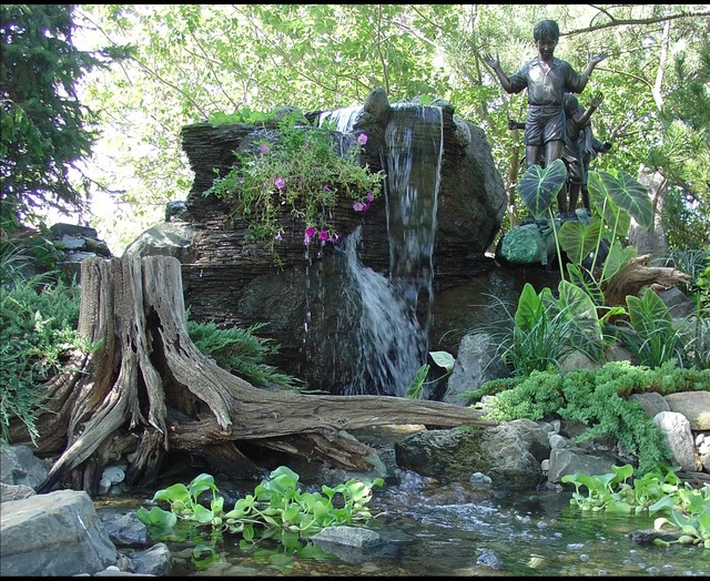 Pondless Waterfalls, Disappearing Waterfalls, Low Maintenance Landscape Edition eclectic-landscape