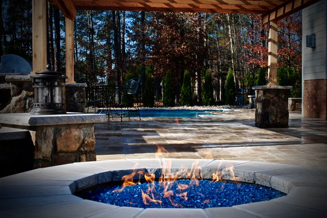 Pool and outdoor living in new kent va for Richmond gardens pool