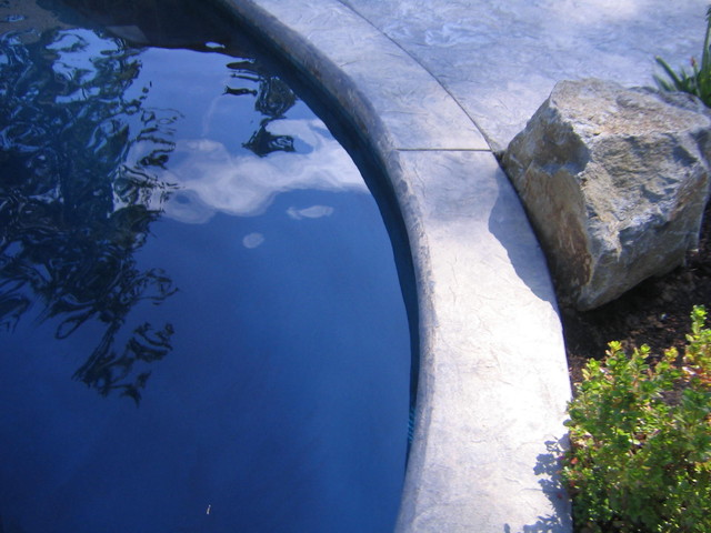 Pools and waterfeatures traditional-landscape