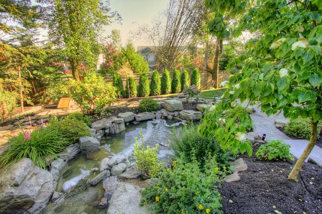 Portland Landscaping Outdoor Living traditional-landscape
