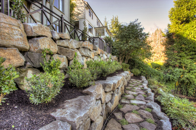 Portland Landscaping Overlook traditional-landscape