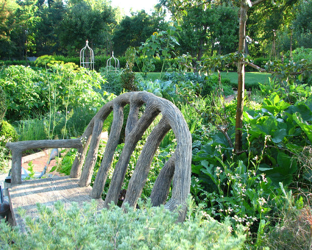 Potager Garden traditional-landscape