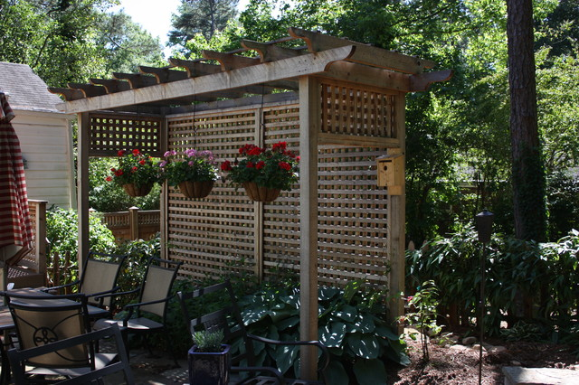 Privacy fences and landscaping on pinterest privacy for Landscaping ideas for privacy screening