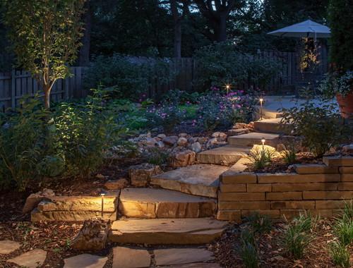 mini antorchas de luz para las escaleras del patio de la casa