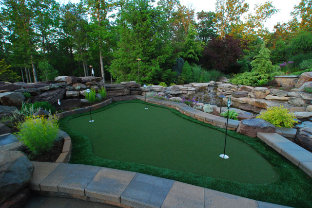Putting Green eclectic-landscape