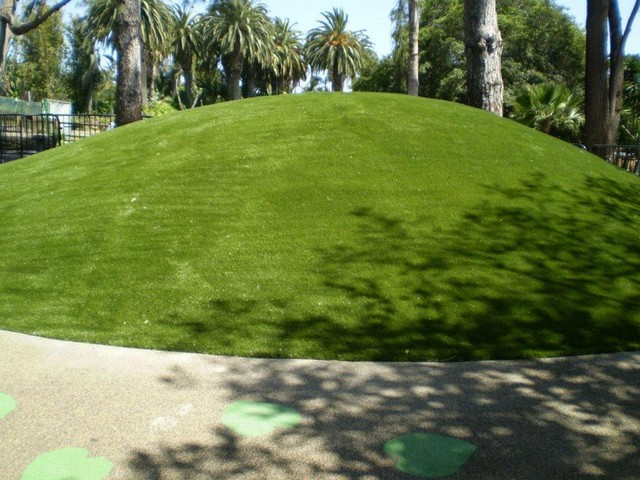 Putting Greens traditional-landscape