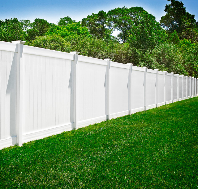 PVC Vinyl White Privacy Fence from Illusions Vinyl Fence ...