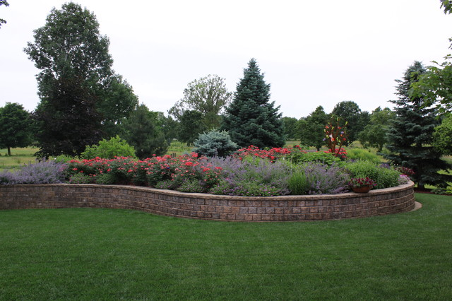 Raised bed traditional landscape