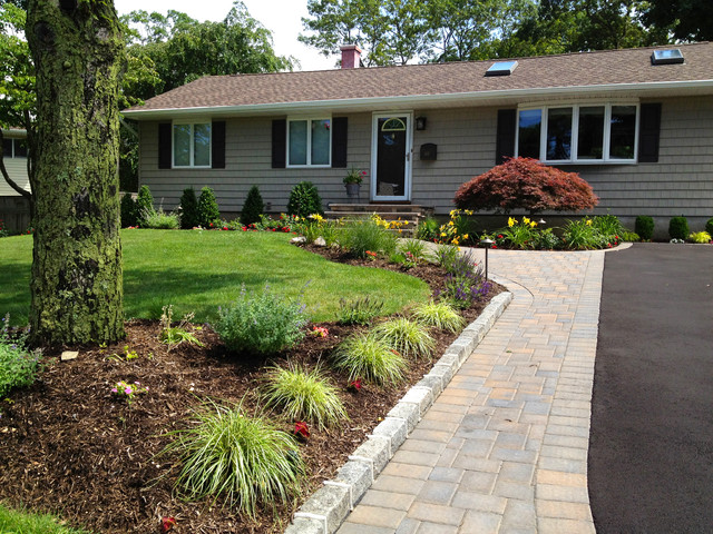 Ranch House Driveway and Front Entry Paving installation ...