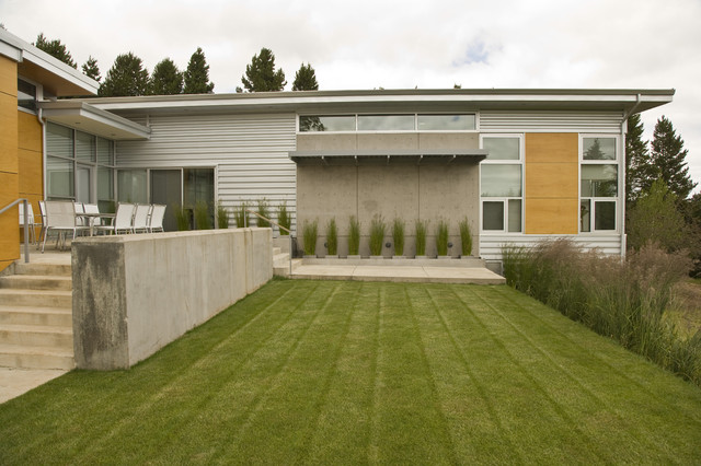 Rear Terrace and Yard contemporary-exterior