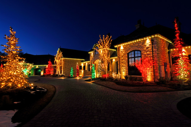 Residential Christmas Lighting traditional-landscape