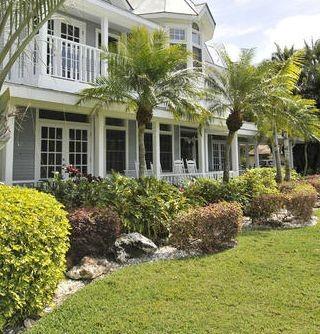 Residential Design tropical-landscape
