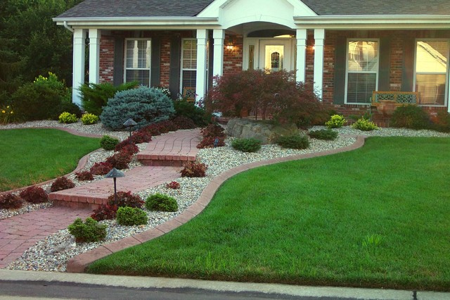 Residential edging traditional landscape st louis for Curb appeal landscaping