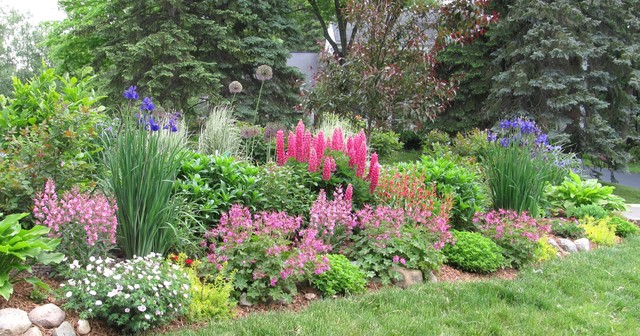 Residential Flower Garden Traditional Landscape