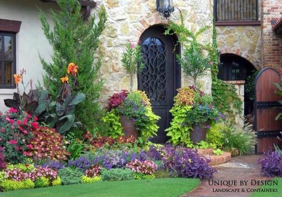 Residential landscape designs perennial annual for Landscape design okc