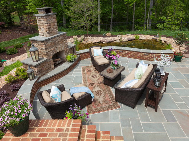 Residential Projects traditional-landscape
