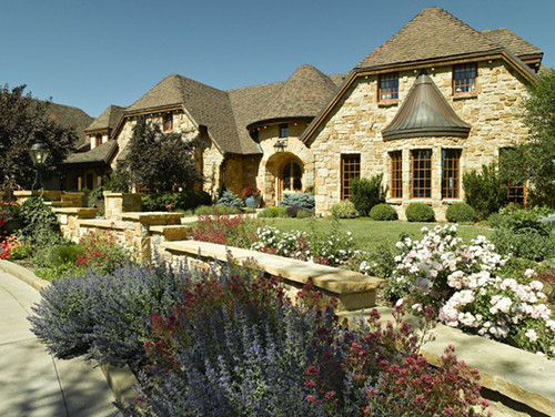 Traditional Landscape by Denver Landscape Architects & Landscape Designers Lifescape Colorado.