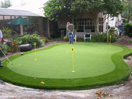 Artificial Grass Backyard Putting Greens : Putting Green on top of septic drain field