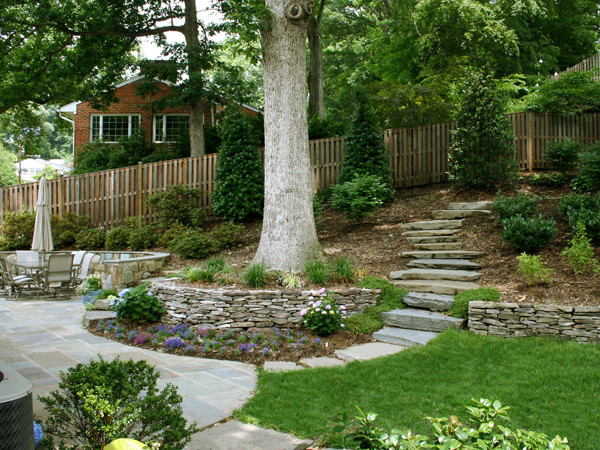 Beau Retaining Wall With Stone Path On Sloped Backyard Traditional Landscape