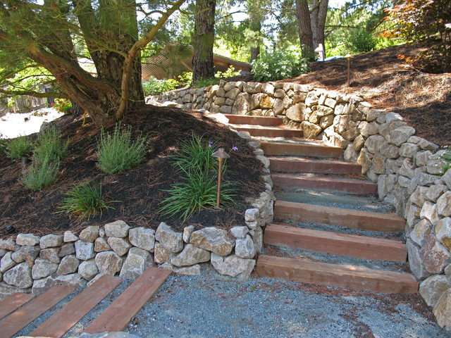 Retaining Walls and Steps Traditional Landscape
