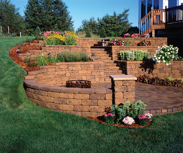 retaining walls traditional landscape