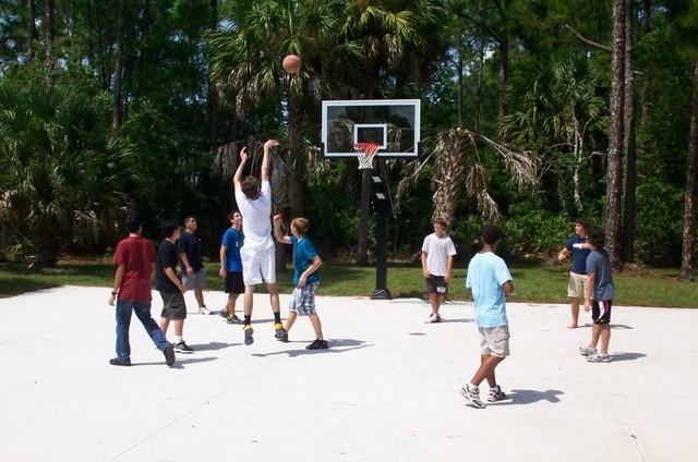 Richard J's Pro Dunk Diamond Basketball System on a 50x40 in Palm Coast, FL traditional-landscape