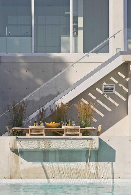 River House modern-landscape