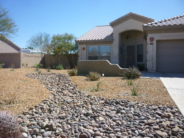 Desert Landscaping With River Rock : River rock landscape contemporary