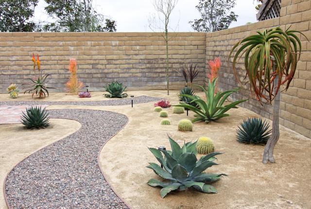 Rock Pathway in Xeroscape Garden southwestern-landscape