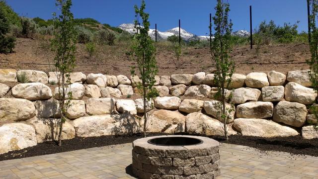 Rock Wall Installations Traditional Garden