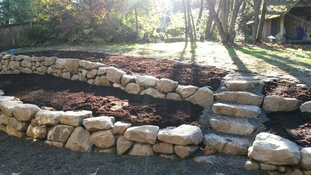 Rock wall woodinville for Landscaping rocks seattle