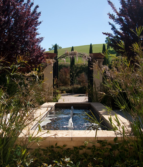 Inspiration for a mediterranean landscaping in San Francisco.