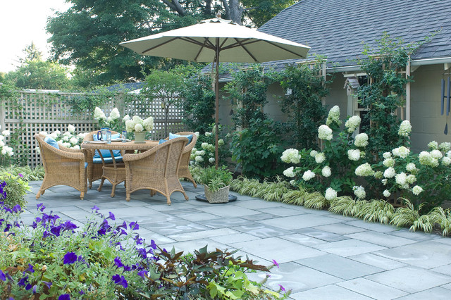Romantic Tarrytown Terrace eclectic landscape