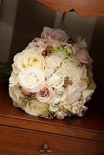 Rose Bouquets traditional-landscape