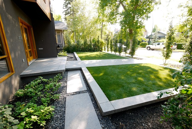 Roxboro house modern landscape calgary by alloy for Small modern house garden design