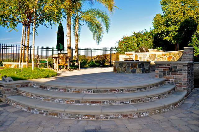 Rue Group, Inc. traditional-landscape
