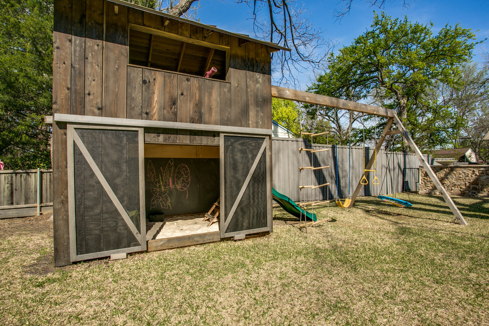 This is an example of a farmhouse outdoor playset in Dallas.