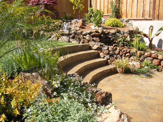 Merveilleux Inspiration For A Tropical Retaining Wall Landscape In San Francisco.