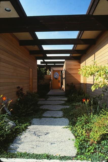San Clemente Residence modern-entry