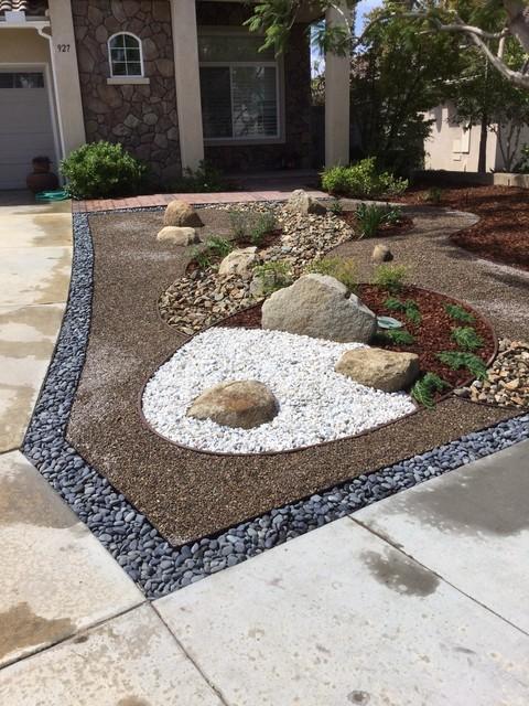 San Diego Drought Tolerant Front Yard by Modern Zen Garden