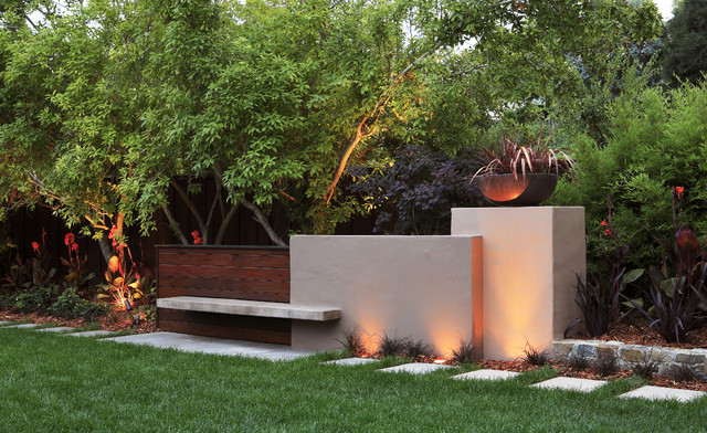 Sculptural Wall contemporary-landscape